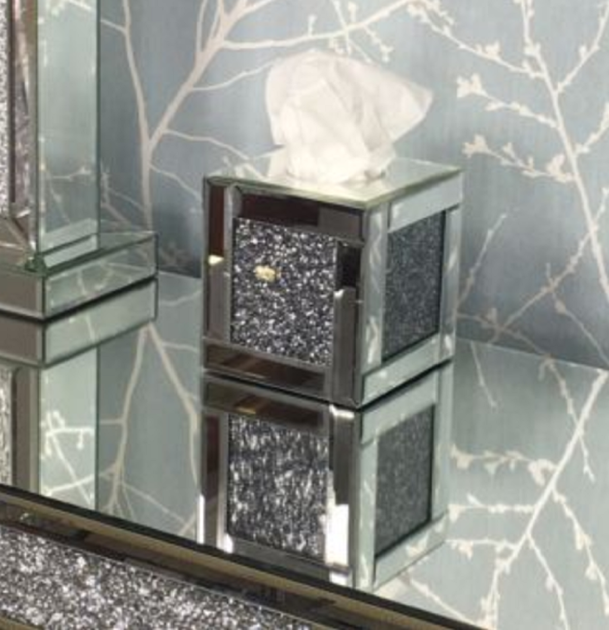 Tuscany Mirrored Tissue Box With Swaroski Crystals Cube